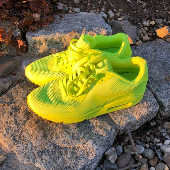 Womens Athletic Shoes Nike Air Max 90 Hyperfuse Cheap For
